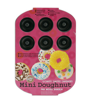 Wilton® 12 Cavity Doughnut Pan