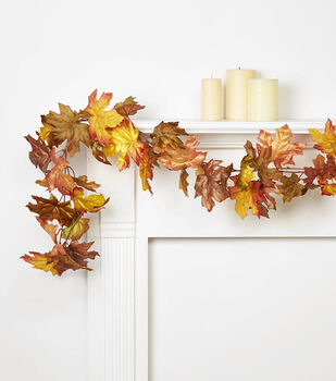 Blooming Autumn Maple Leaf Garland-Green