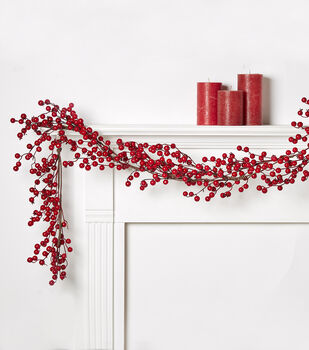 Blooming Holiday Berry Garland