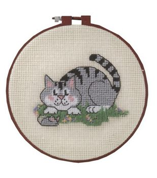 Dimensions Learn-A-Craft Needlepoint Kit A Cat And A Mouse