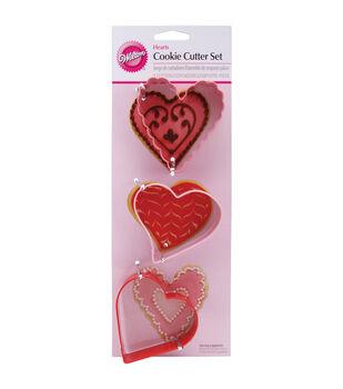 Wilton® Metal Cookie Cutter Set 3/Pkg-Hearts