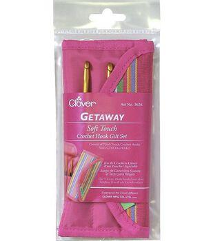 Clover Getaway Takumi Soft Touch Crochet Hooks Gift Set