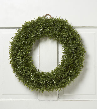 Soft Touch Boxwood Wreath Green 18in