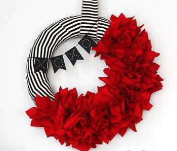 How to Make Ruffle Wreath and Valentine's Day Bunting