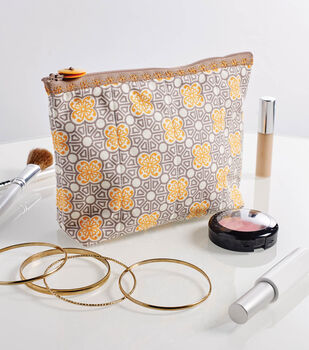 How To Make A Fancy Stitched Quilted Zipper Pouch