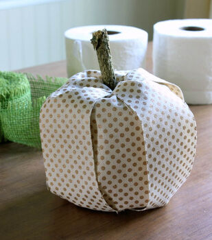 Daisy Mae Belle's Toilet Paper Roll and Ribbon Pumpkins