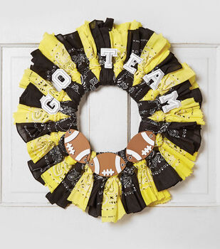 How To Make A Team Bandana Wreath