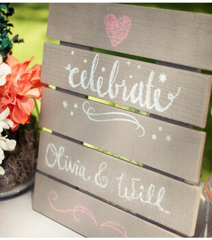 DIY Wedding Mini Chalkboard Pallet