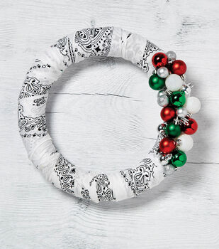 How to make White with Ornaments Christmas Bandana Wreath