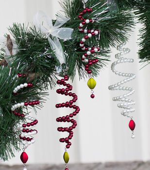 How To Make A Holly Jolly Christmas Ornaments