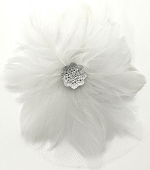 Laliberi Quick Clip Flowers 1/Pkg-Feather Pearl