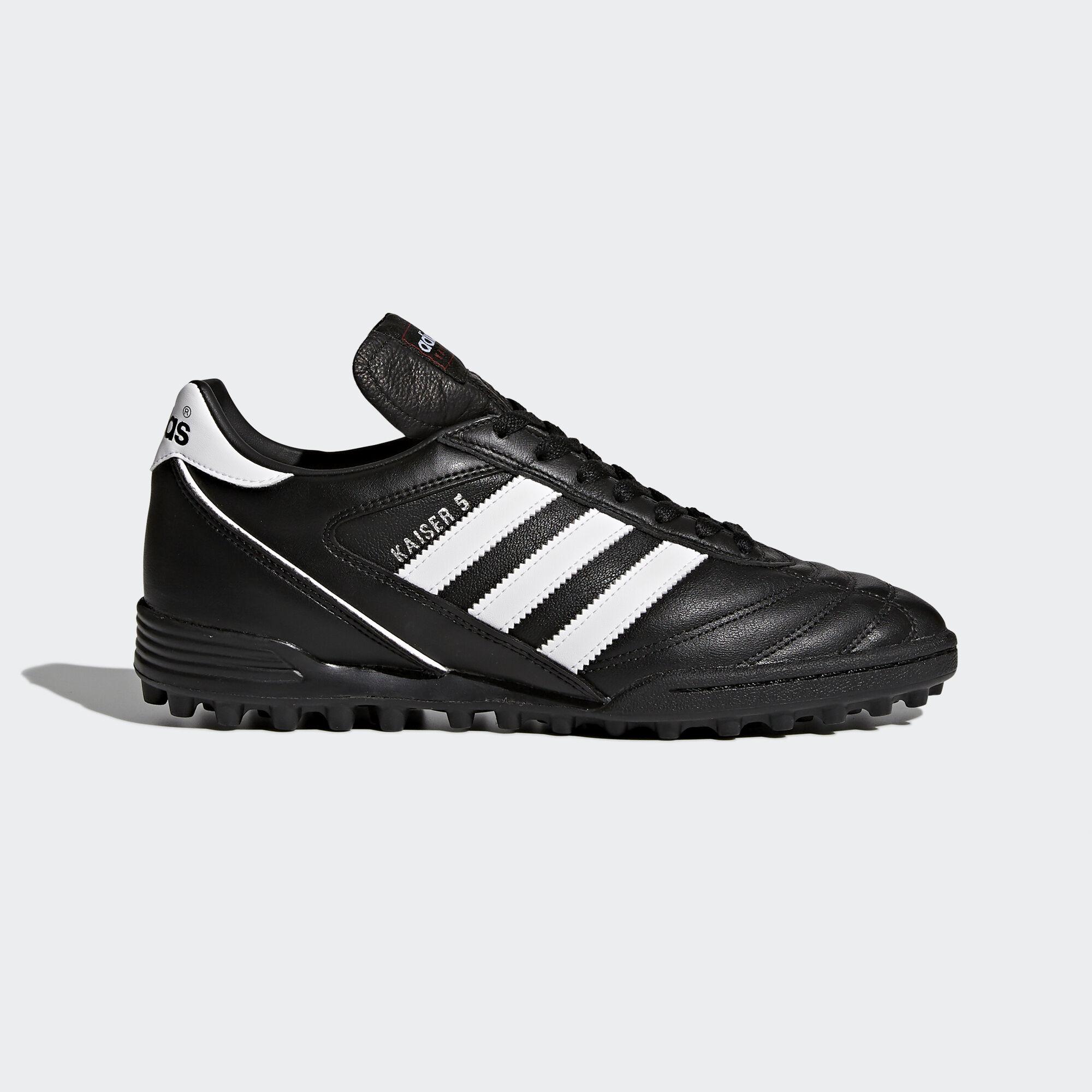 come calzano le scarpe da calcio adidas