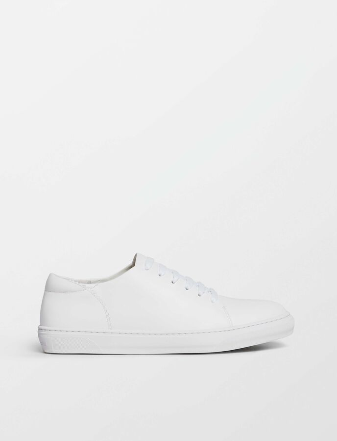 Yvelle sneakers