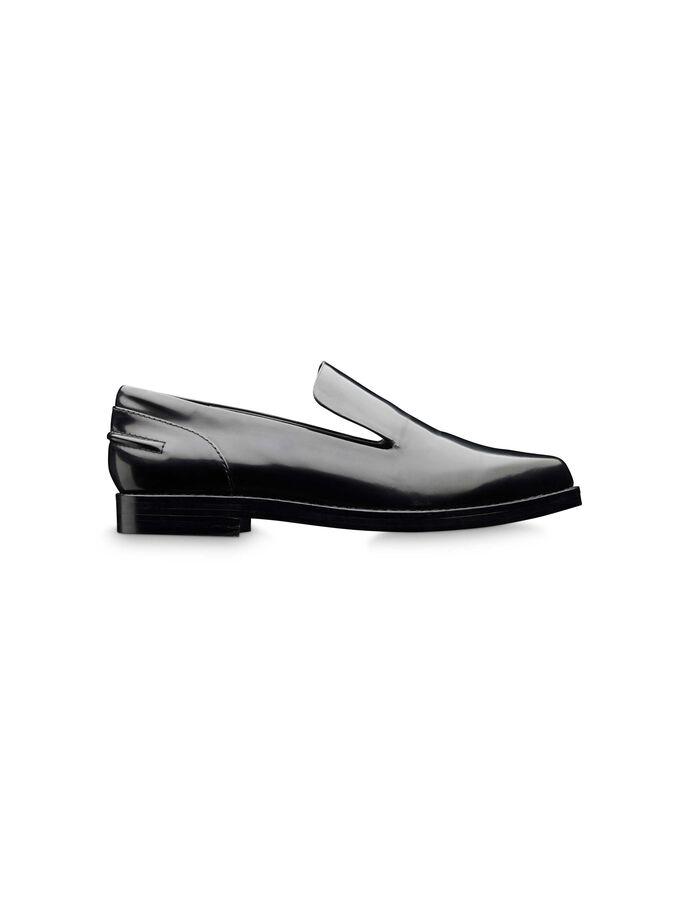 Cesari shoe