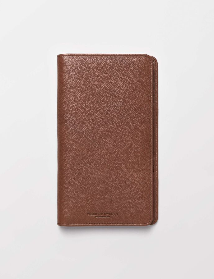Guimard passport holder