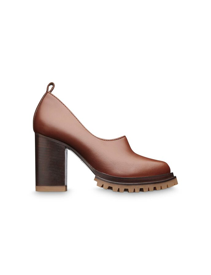 Delorme shoe