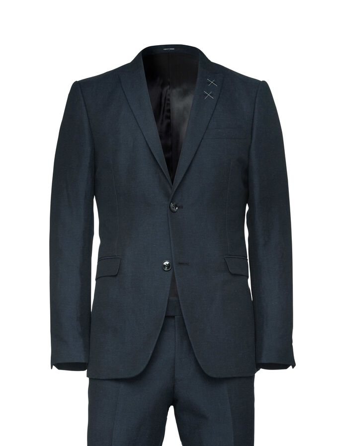 Essien suit