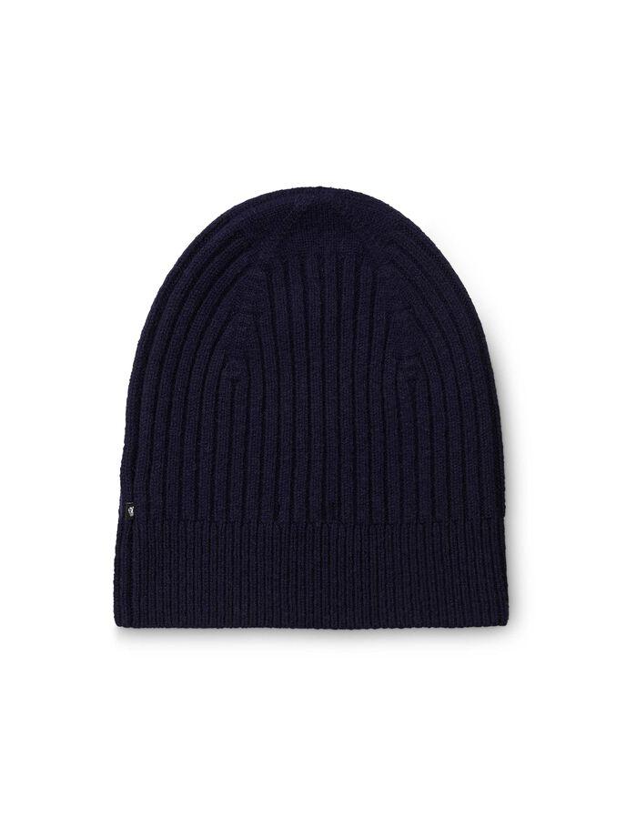 Pila hat
