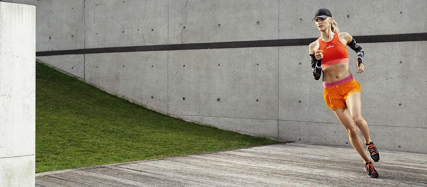 Adidas e Stella McCartney abbigliamento sportivo per la corsa