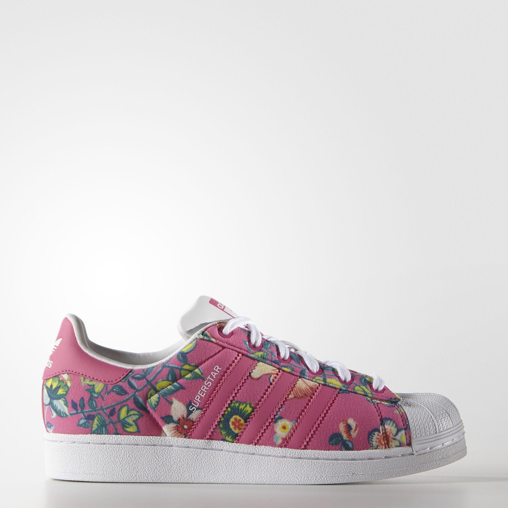 adidas rosas con flores