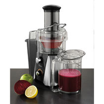 Oster® JūsSimple™ Easy Juice Extractor, 900 Watts