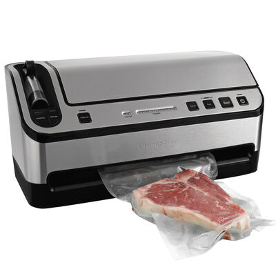 The NEW FoodSaver® 2-In-1 Vacuum Sealing Kit