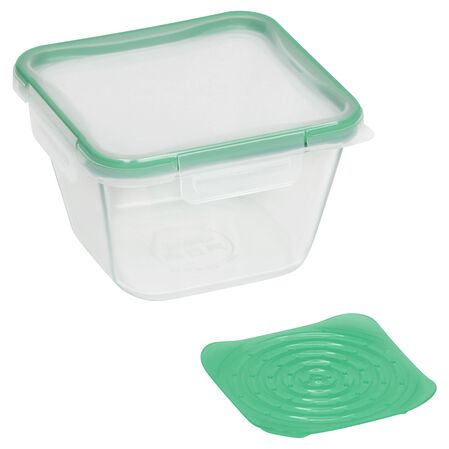 The Snapware Total Solution™ pc Pyrex Glass Food Storage set delivers easy organization solutions in order to embrace your life in motion. The Snapware set features NEW Healthy Living solutions including (2) Produce Savers to keep your food 2x fresher longer, and a Steamer Tray to separate the contents inside the container.