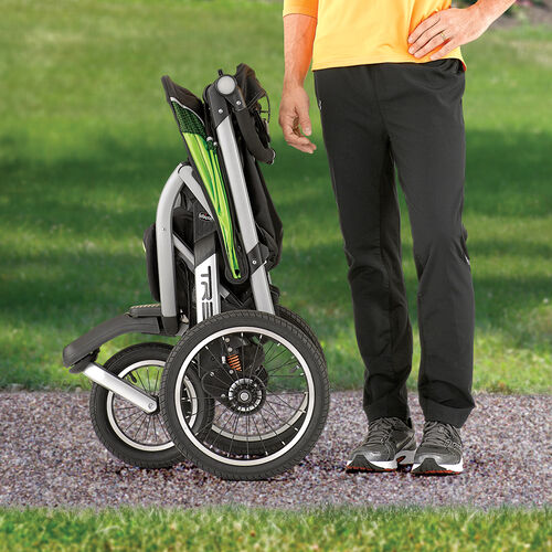 Quick one-handed fold of the TRE Jogging Stroller in free standing mode
