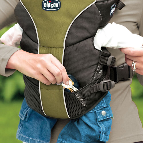 Mesh pockets on the UltraSoft Carrier provide a place to store your things so you can keep your hands free