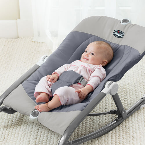 Secure baby with easy using the 5 pt harness available in all Chicco Pocket Relax rockers