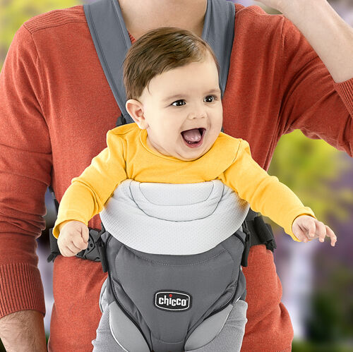 Face baby outward in the Coda Carrier to explore the world