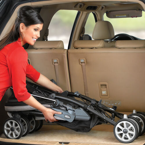 The Chicco Neuvo Stroller has a compact 3D Fold so you can easily fit it in your car's trunk or store it
