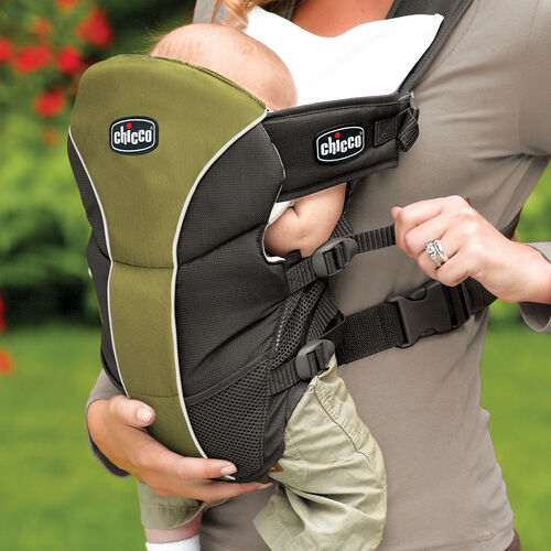 Adjustable straps on the side of the Chicco UltraSoft Carrier Elm allow you to get the right fit for your baby