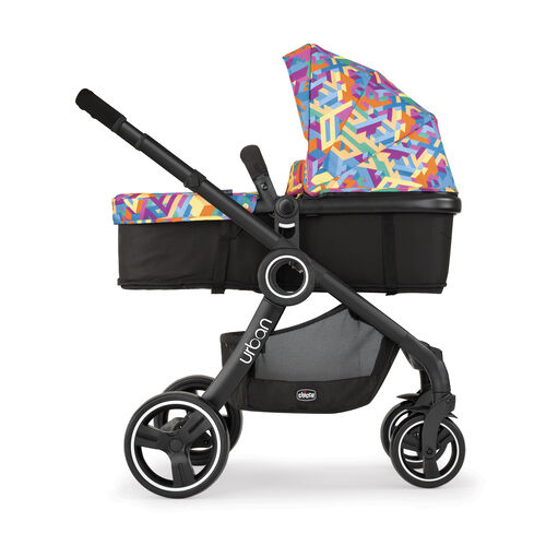 With it's 6 different modes, transform your stroller into bassinet/carrage mode rear or forward facing