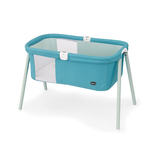 Comfort, easy to assemble, and storage tote are the key features of the Lullago Bassinet by Chicco