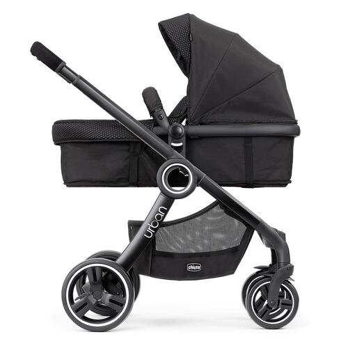 The rear-facing bassinet of the Urban 6-in-1 Modular Stroller is great for infants
