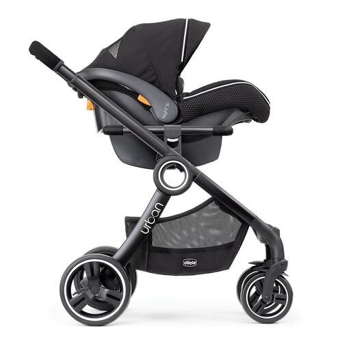 Let baby see the world with forward-facing KeyFit carrier configuration of the Chicco Urban Stroller - Obsidian