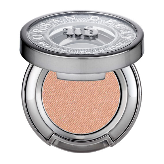 Eyeshadow in color Midnight Cowgirl