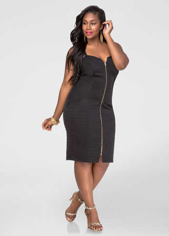 Plus Size Ribbed Zip Front Bodycon Dress in Black - Front
