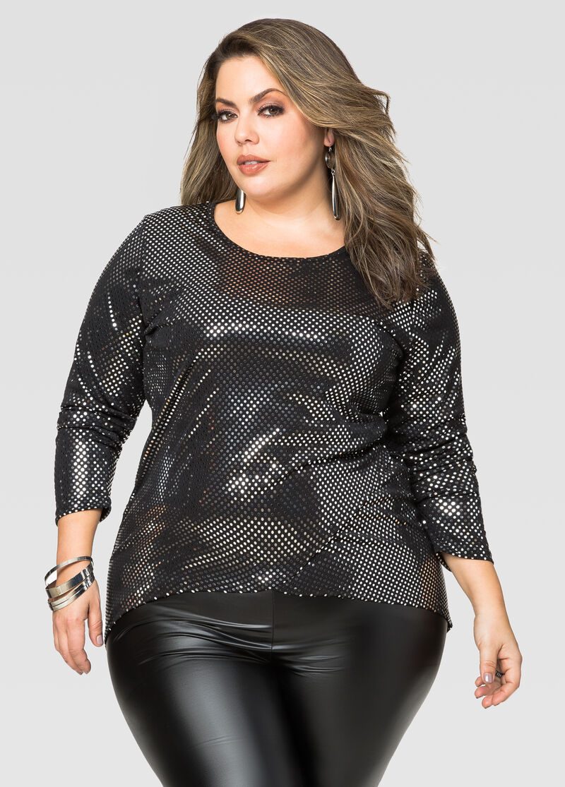 Plus size tank tops A staple of every vacation capsule, tank tops don't have to look boxy or shapeless. you could opt for a cross-over wrap style to accentuate your waist, or choose subtle stripes and ruffles or an asymmetric hem to draw attention downwards away from the tummy area.