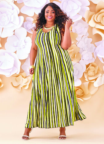 Plus Size Outfits - Stripes That Slay