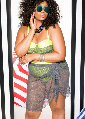 Walking on the Sun Plus Size Outfit