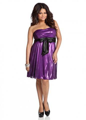 Web Exclusive: Strapless Bow Embellished Metallic Bubble Dress
