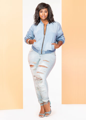 Plus Size She's A Denim Diva