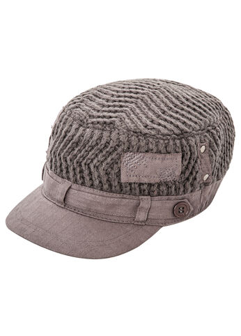 Textured Sweater Cabby Hat