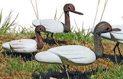 Garden figure 'Small Duck of Serpentinite' (on the left)