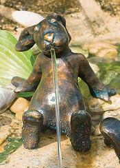"""Gartenskulptur / Wasserspeier """"Hase Emil"""", Bronze"""