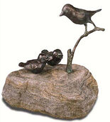 "Garden sculpture Titmouse group ""Glutton"", copper on stone base"