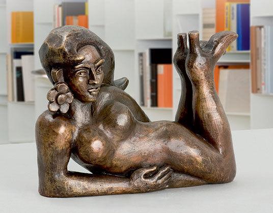 """Elvira Bach: Sculpture """"China Girl"""" (2007), bronze"""