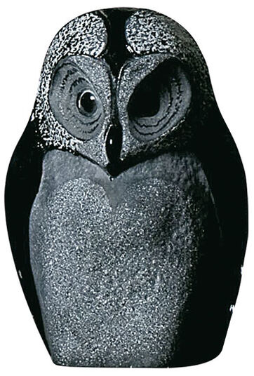 "Mats Jonasson: Glass sculpture ""Owl"", Version in Black"